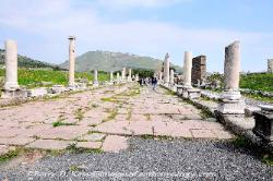 Turkey The Sacred Way at Pergamon