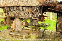 Philippines, northern Luzon, Ifugao, traditional dwelling on poles